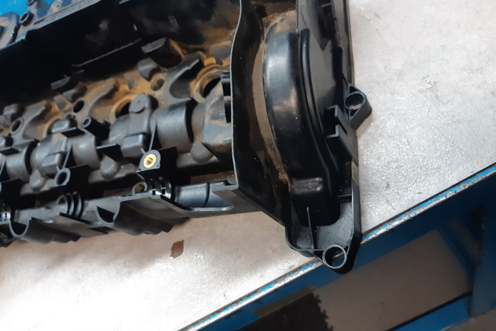 Photo gallery, repair of valve cover cracks