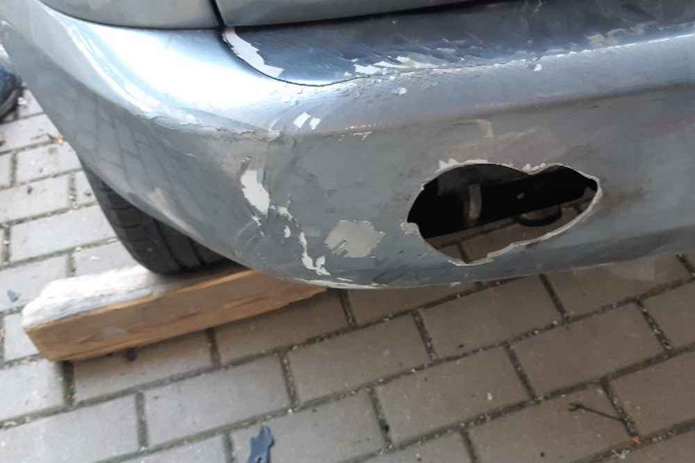 Photo gallery, repair of a hole in the rear bumper