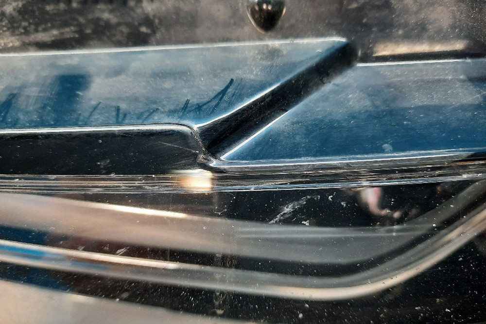 Photo gallery, welding cracks in Audi light