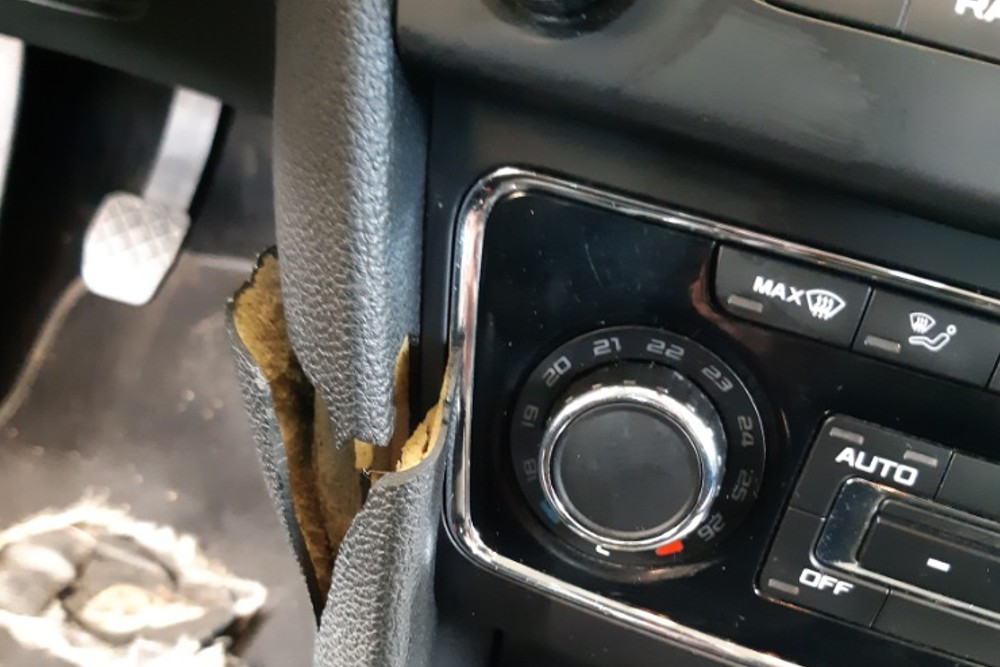 Photo gallery, repair of a cracked dashboard from the driver's knee